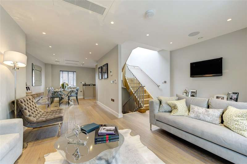 2 Bedrooms Flat for sale in Fleet Street, London, Fleet Street, EC4Y