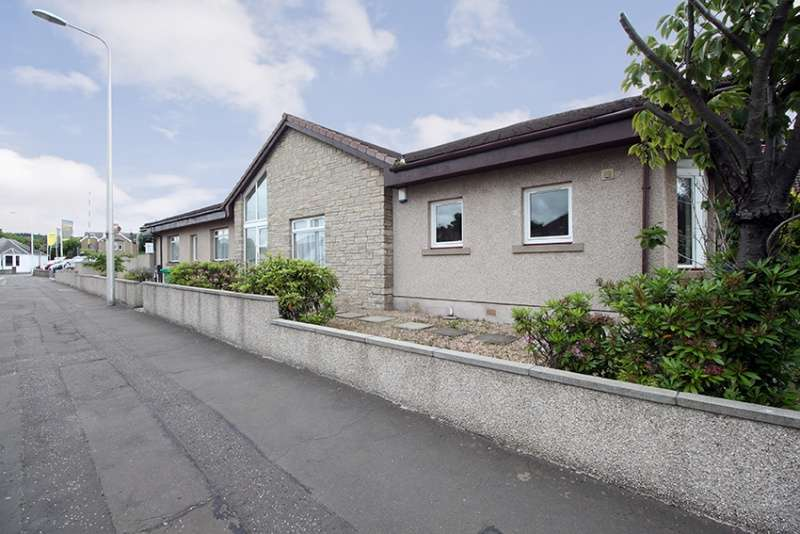 4 Bedrooms Bungalow for sale in Linburn Road, Dunfermline, Fife, KY11 4LH