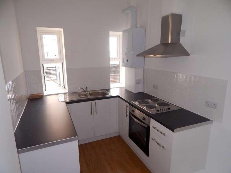2 Bedrooms Flat for rent in York Buildings, Hastings