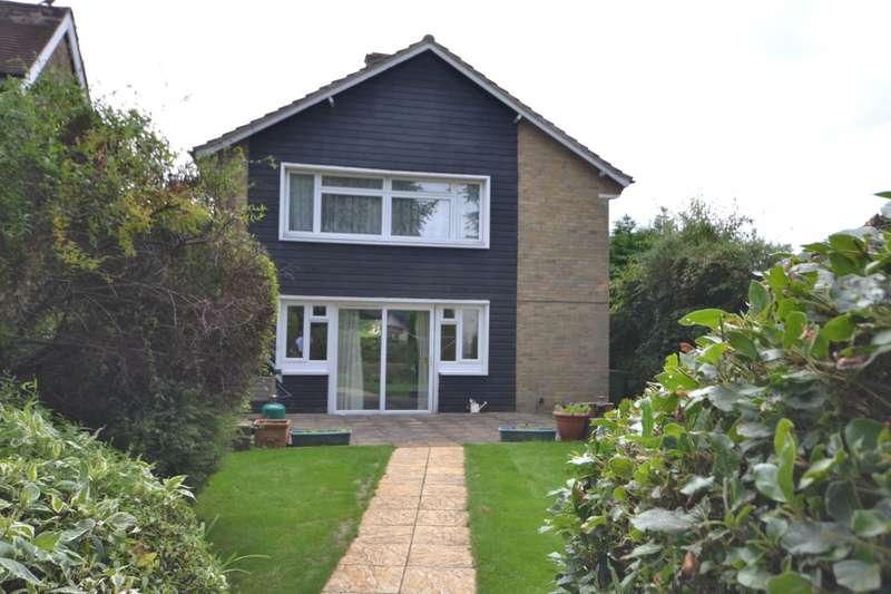 2 Bedrooms Maisonette Flat for sale in Woking