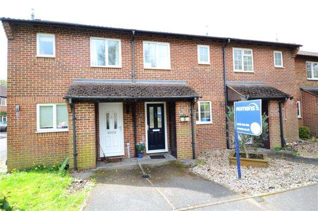 2 Bedrooms Terraced House for sale in Marlborough View, Farnborough, Hampshire
