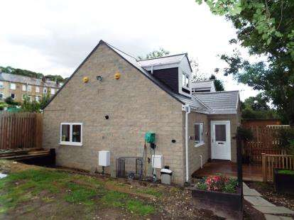 3 Bedrooms Bungalow for sale in Copley Lane, Halifax, West Yorkshire