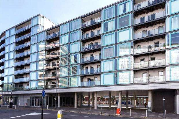 3 Bedrooms Apartment Flat for sale in Vantage Building, Station Approach, Hayes