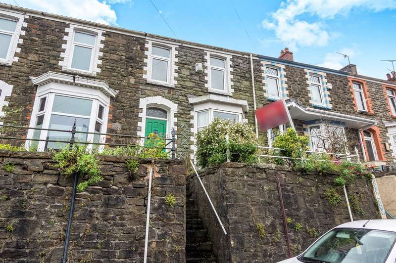2 Bedrooms Terraced House for sale in Short Street, Swansea