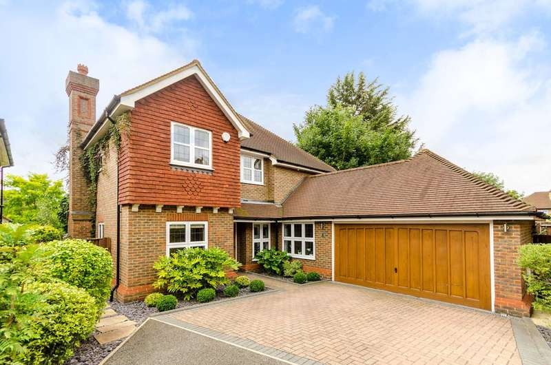 4 Bedrooms Detached House for sale in Abingdon Close, Worcester Park, KT4