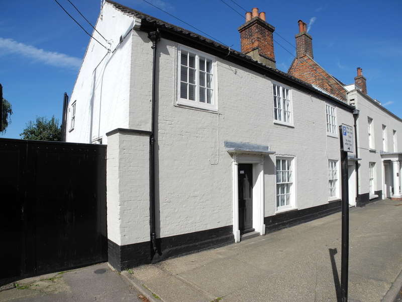 2 Bedrooms Semi Detached House for sale in Broad Street, Bungay
