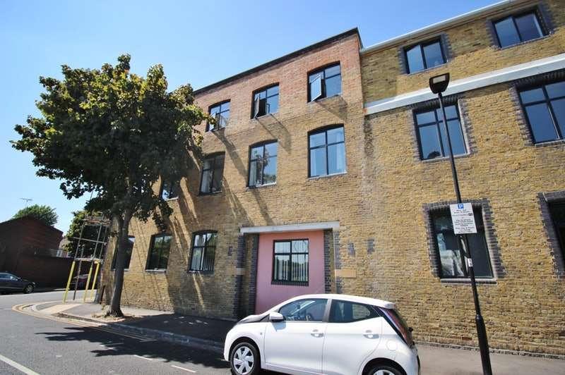 1 Bedroom Flat for sale in Jedburgh Road, London, London, E13