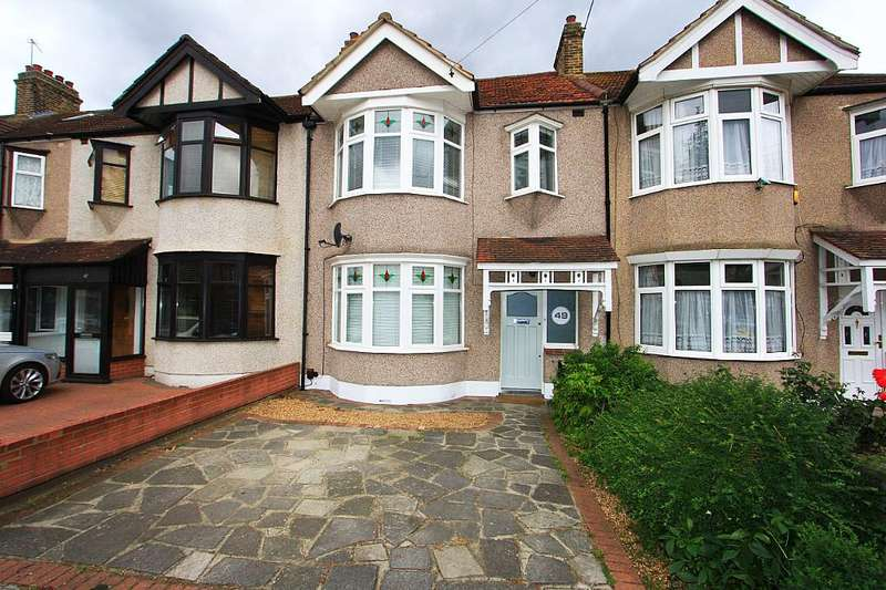3 Bedrooms Terraced House for sale in 49, Beech Grove, Ilford, London, IG6
