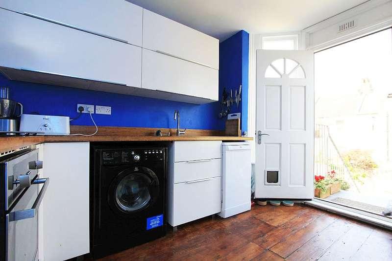 3 Bedrooms Maisonette Flat for sale in Portland Road, Hove, East Sussex, BN3 5DP