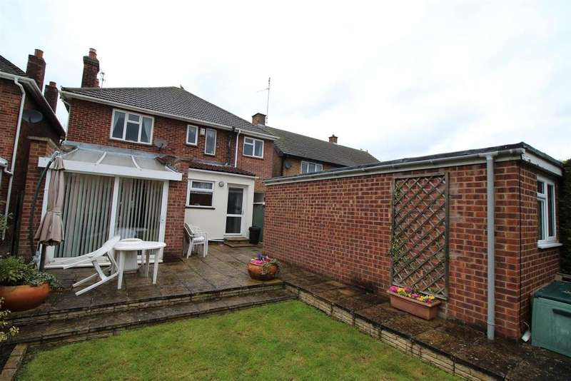 4 Bedrooms Detached House for sale in Oundle Road, Peterborough