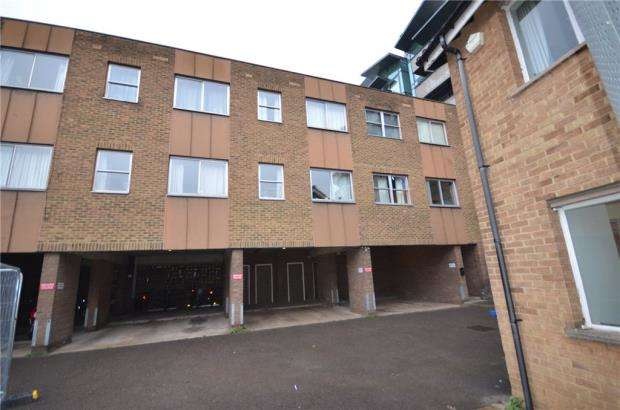 1 Bedroom Apartment Flat for sale in St. Marys Close, Maidenhead, Berkshire