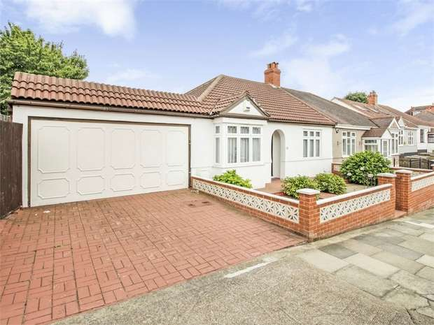 2 Bedrooms Semi Detached Bungalow for sale in Hillview Road, Chislehurst, Kent
