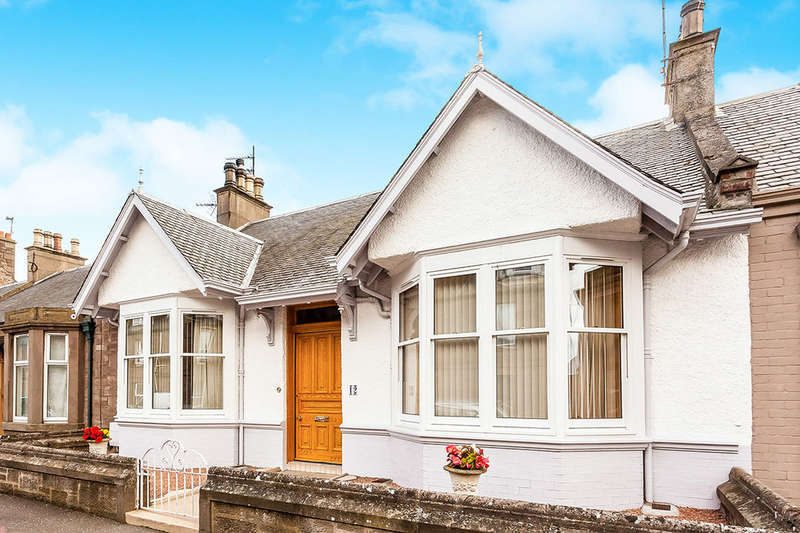 3 Bedrooms Bungalow for sale in Palmerston Street, Montrose, DD10