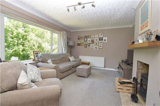 3 Bedrooms Detached House for sale in Amherst Close, HASTINGS, East Sussex, TN34 1TY
