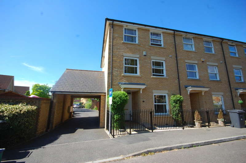 5 Bedrooms Semi Detached House for sale in Albemarle Link, Beaulieu Park, Springfield, Chelmsford, CM1