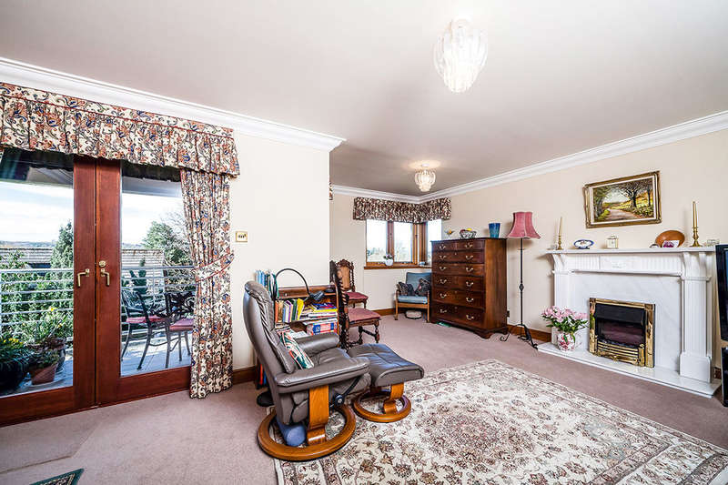 2 Bedrooms Flat for sale in Riverview Park Hillside Dundee Road, PERTH, PH2