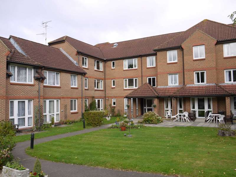 1 Bedroom Retirement Property for sale in Winterbourne Court, Bracknell