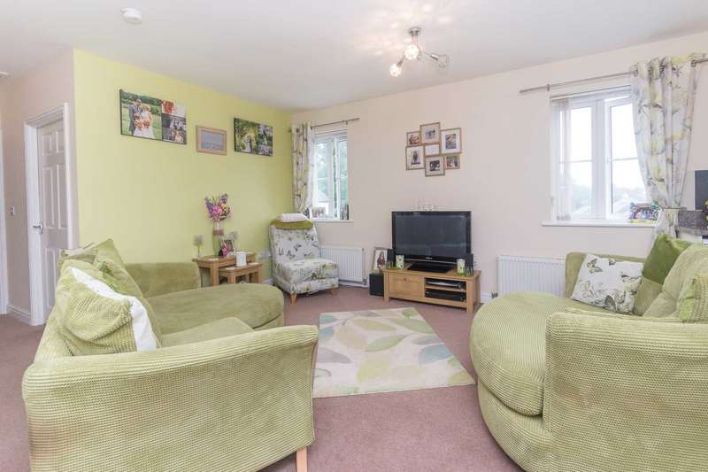 2 Bedrooms Detached House for sale in Dellohay Park, Saltash, PL12 6AQ