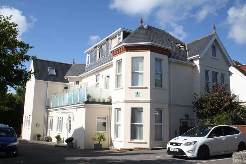 2 Bedrooms Flat for sale in North Swanage
