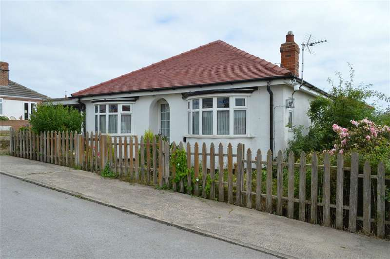 2 Bedrooms Detached Bungalow for sale in 10 Pasture Road, Hornsea, East Riding of Yorkshire