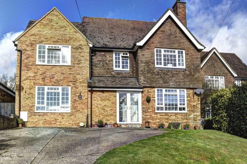 4 Bedrooms Detached House for sale in Bledlow Ridge