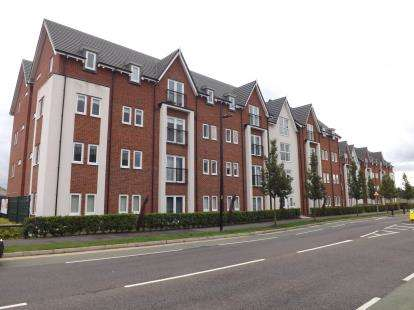 2 Bedrooms Flat for sale in Creola Court, Louisiana Drive, Chapelford Village, Warrington