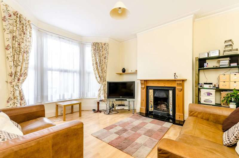 3 Bedrooms House for sale in Arngask Road, Catford, SE6