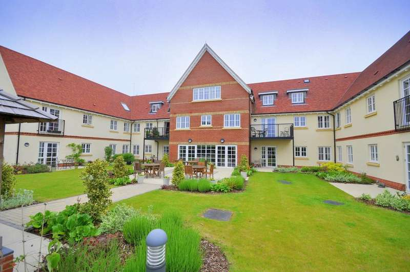 1 Bedroom Apartment Flat for sale in Cornmantle Court, Ringwood, BH24 1WJ