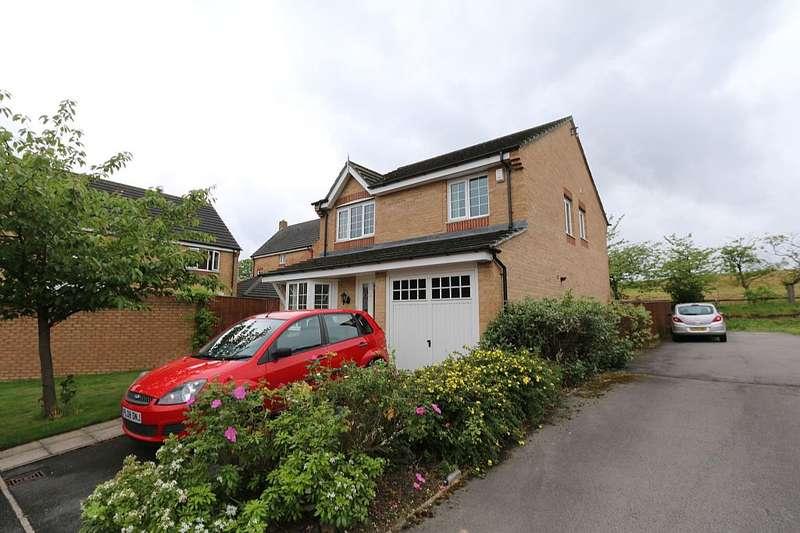 4 Bedrooms Detached House for sale in Sandhill Close, Bradford, West Yorkshire, BD8 0DZ