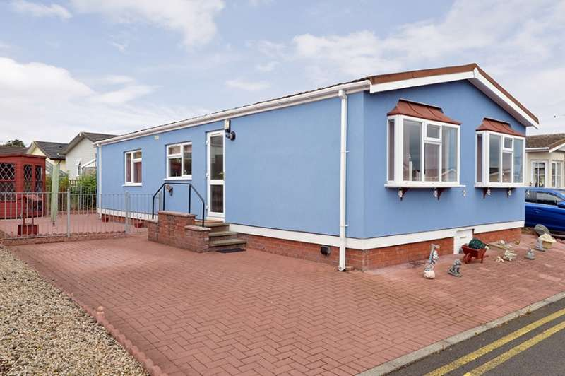 2 Bedrooms Park Home Mobile Home for sale in Cuthill Brae, Willow Wood Residential Park, Stoneyburn, West Lothian, EH55 8QE