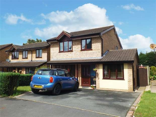 4 Bedrooms Detached House for sale in Applewood Heights, West Felton, Oswestry, Shropshire