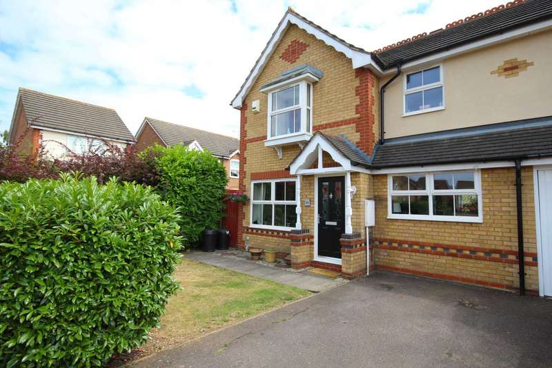 3 Bedrooms Semi Detached House for sale in Long Grove, Harold Wood