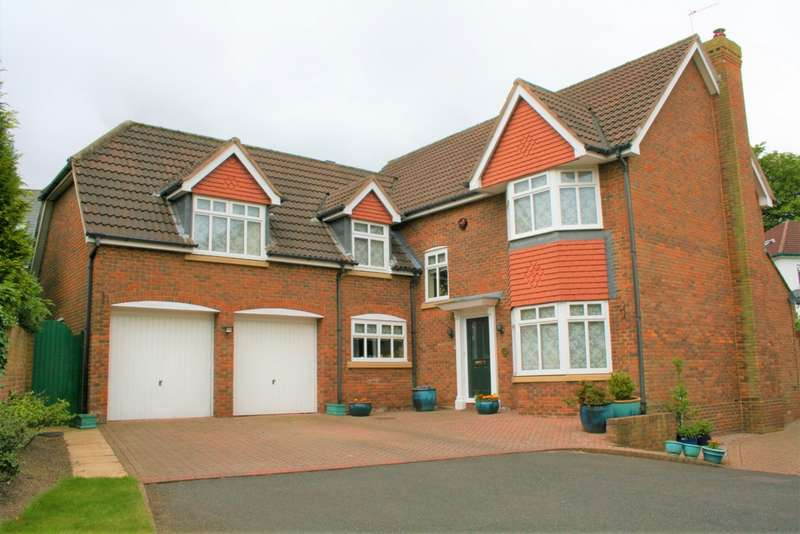 4 Bedrooms Detached House for sale in Hillside Drive, Woolton, L25