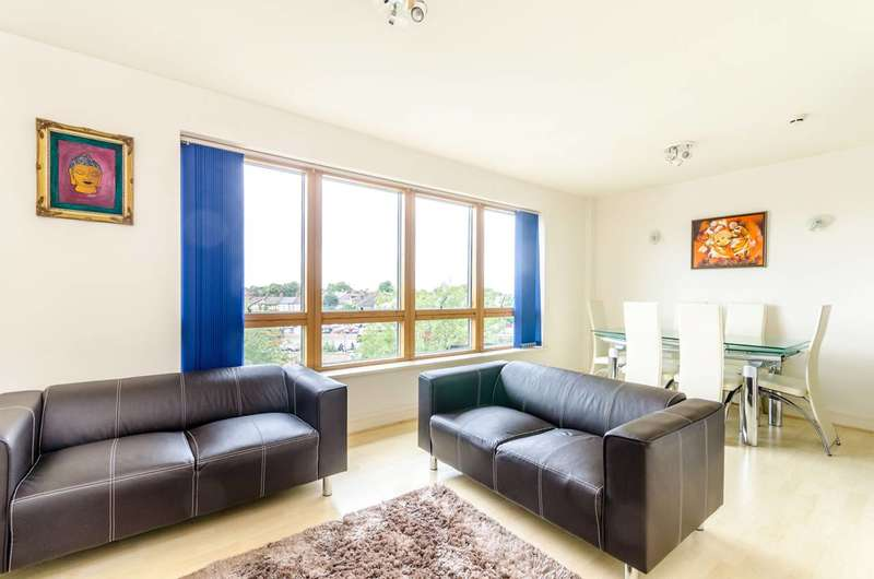 2 Bedrooms Flat for sale in Sherman Road, Bromley, BR1