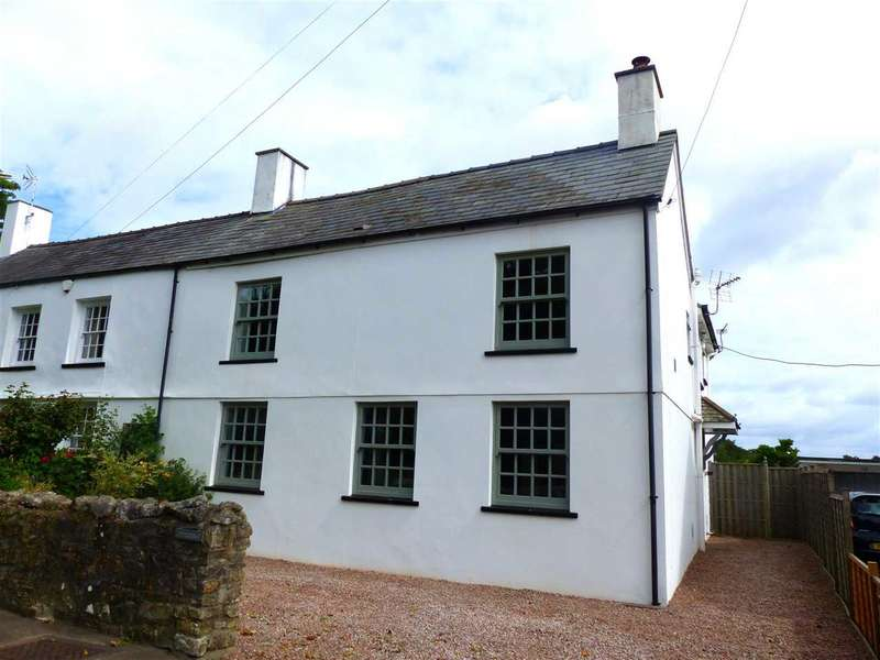 3 Bedrooms Semi Detached House for sale in Littledale, Welsh Street, Chepstow