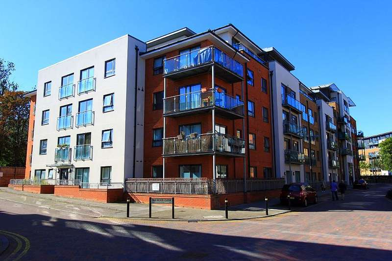 1 Bedroom Ground Flat for sale in Cherrywood Lodge, Birdwood Avenue, London, London, SE13