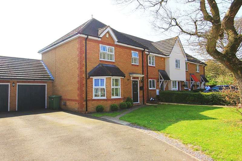 3 Bedrooms Detached House for sale in 241, Forest Glade, Langdon Hills, Basildon, Essex, SS16 6SX