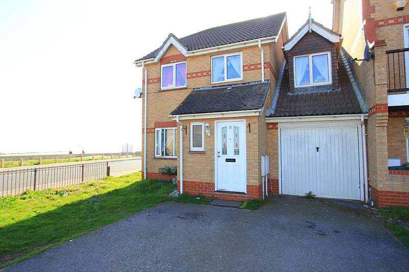 4 Bedrooms Link Detached House for sale in Hastings Avenue, Clacton-On-Sea, Essex, CO15 1XY