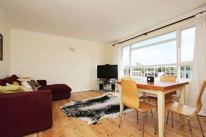 2 Bedrooms Apartment Flat for sale in Kent Lodge, Inner Park Road, London, London, SW19 6DU