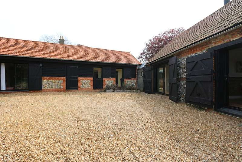 3 Bedrooms Detached House for sale in Massingham Road, Castle Acre, King's Lynn, Norfolk, PE32 2BG