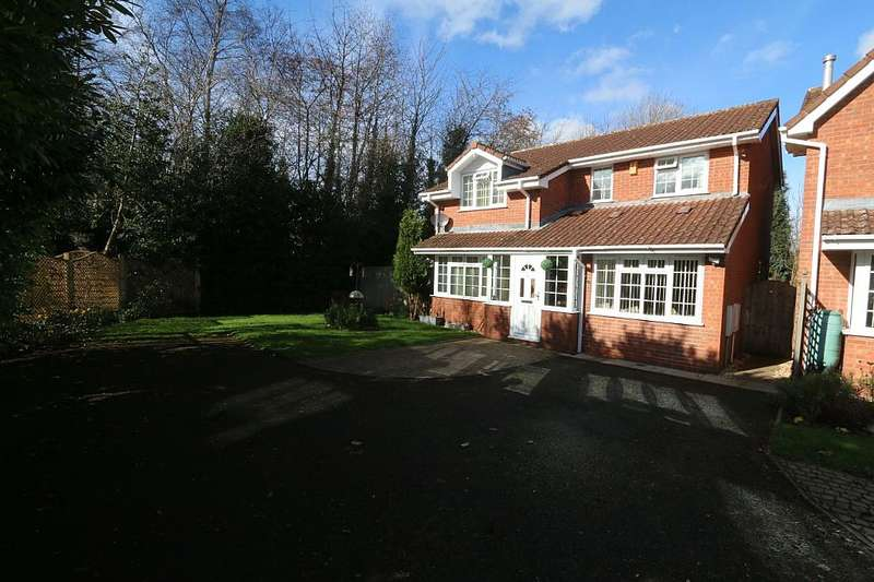 4 Bedrooms Detached House for sale in 31, Thornton Park Avenue, Muxton, Telford, Shropshire, TF2 8RF