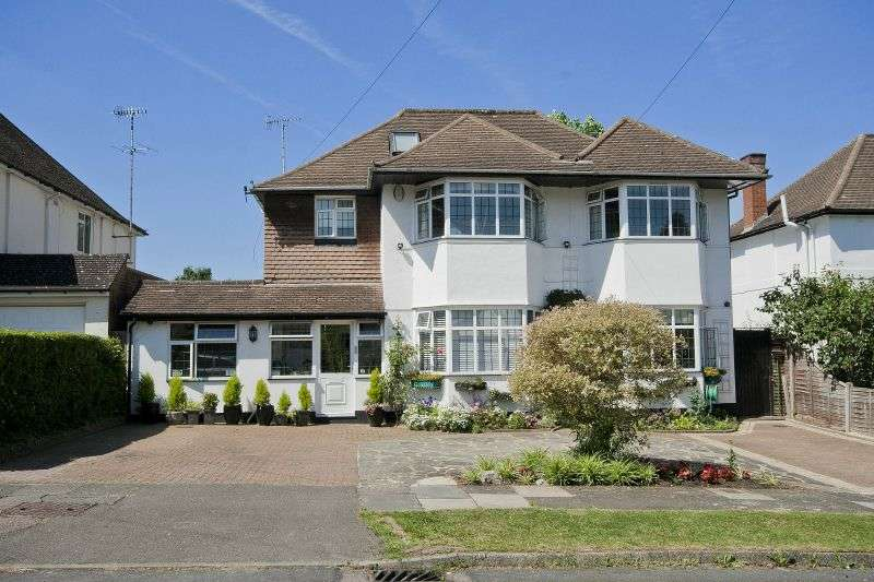 7 Bedrooms Detached House for sale in The Fairway, Northwood