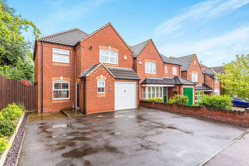 3 Bedrooms Detached House for sale in Skinners Way, Midway, Swadlincote, DE11