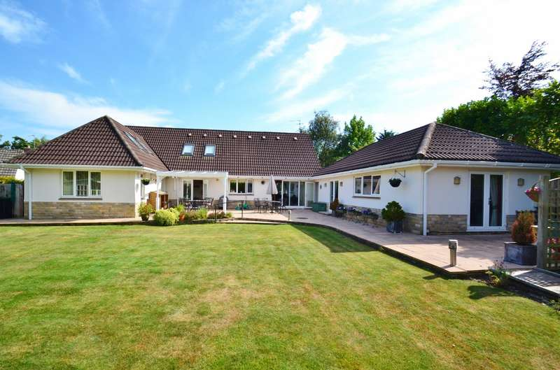 5 Bedrooms Detached House for sale in Ashley Heath