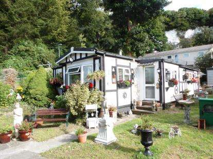 2 Bedrooms Bungalow for sale in Cosham, Portsmouth, Hampshire