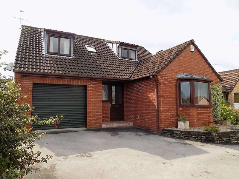 3 Bedrooms Detached House for sale in Kinforde, Chard