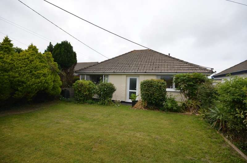 3 Bedrooms Detached Bungalow for sale in Clifton Road, Park Bottom