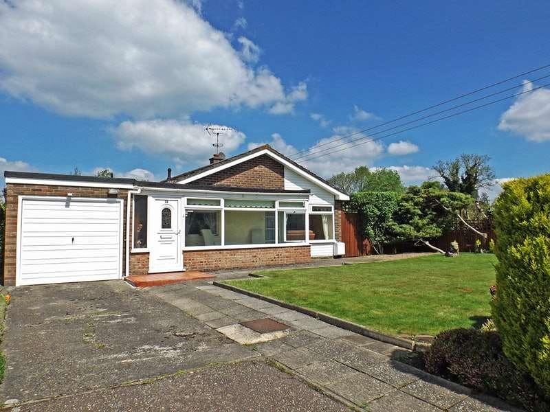 3 Bedrooms Bungalow for sale in Ovington Road, Saham Toney, Norfolk, IP25