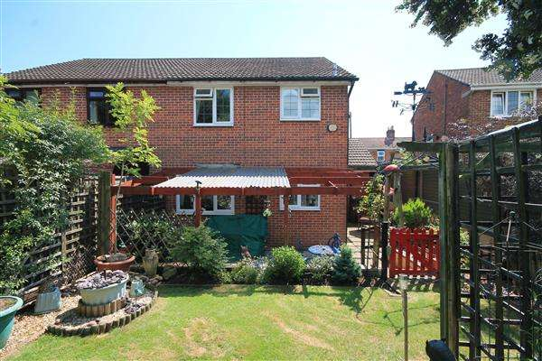 3 Bedrooms Semi Detached House for sale in Dunford Road, Poole