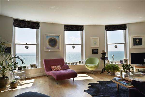 3 Bedrooms Flat for sale in Marine Parade, Brighton